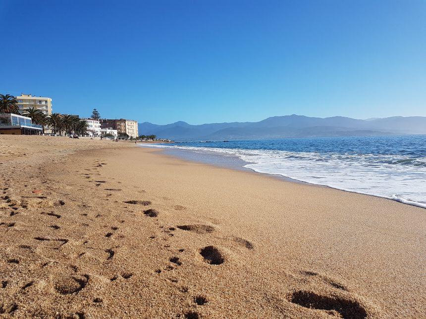 A Ajaccio, un Noël à la mer et sous le soleil exactement !