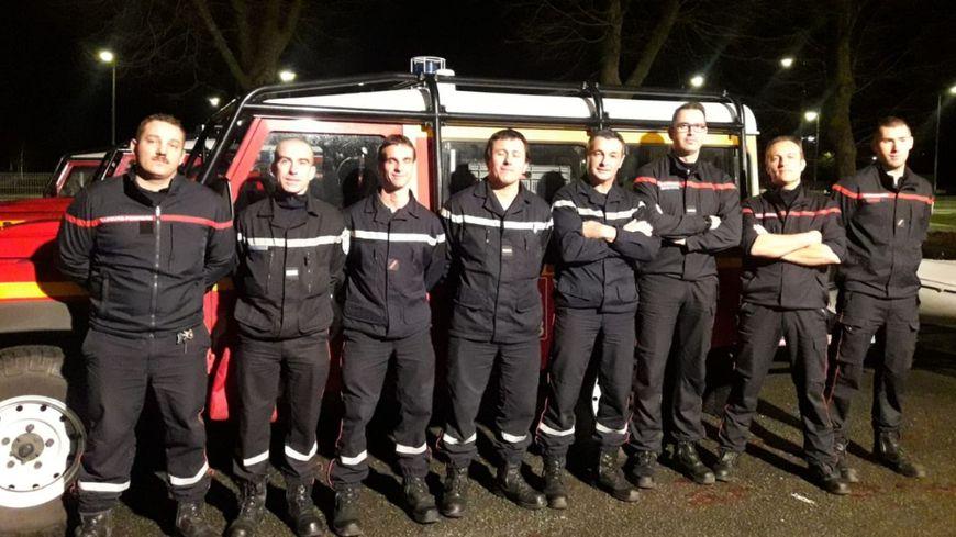 Huit pompiers spécialisés dans les sauvetages aquatiques en eau vive, de la Charente-Maritime arrive en renfort dans le Lot-et-Garonne