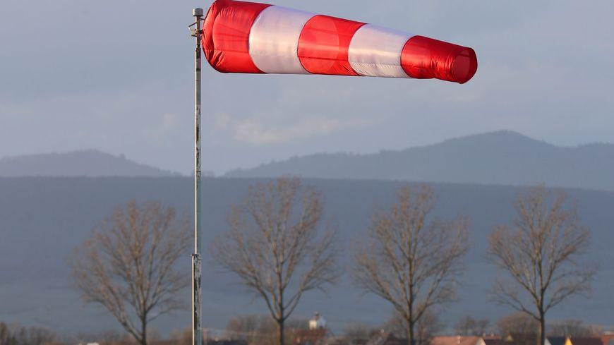 On annonce des vents pouvant souffler jusqu'à 100 kilomètres par heure cette nuit.