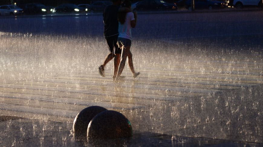 Le Var et les Alpes-Maritimes ont été placés dimanche en vigilance rouge aux pluies et inondations
