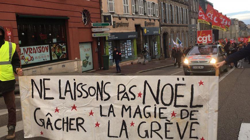 Le cortège de ce samedi a rassemblé environ 500 personnes à Limoges.