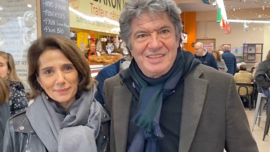 Dominique et Lionnel Astier aux halles de l'Abbaye à Alès.