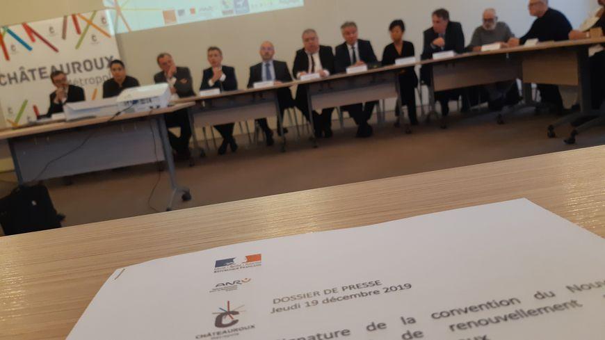 La ville de Châteauroux, le préfet de l'Indre, l'OPHAC ou encore la SCALIS ont signé cette convention