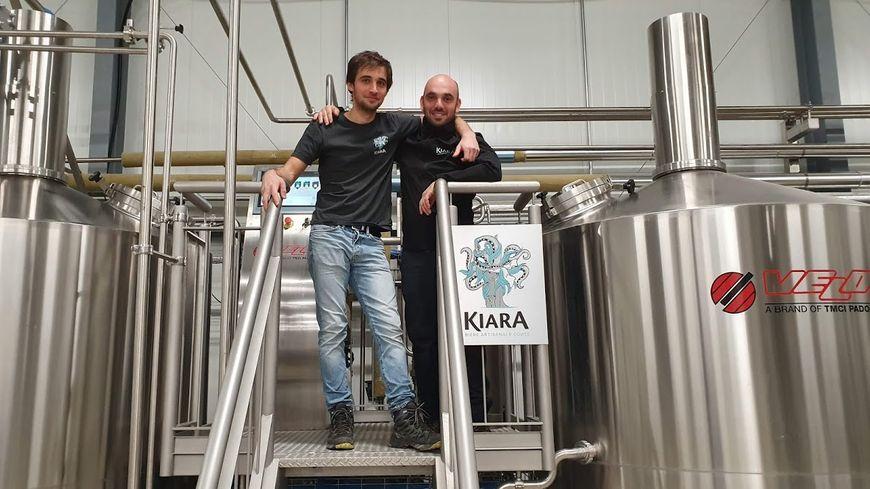 Les brasseur et apprenti-brasseur de la KIARA, Ghjuvan-Petru PIERI et Michael MATTEI, à Tallone.