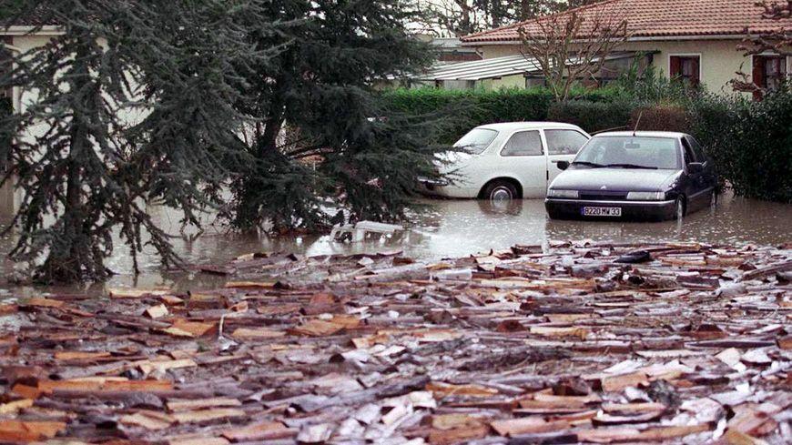 St Louis de Montferrand a été l'une des communes les plus sinistrées en Gironde par la tempête de 1999
