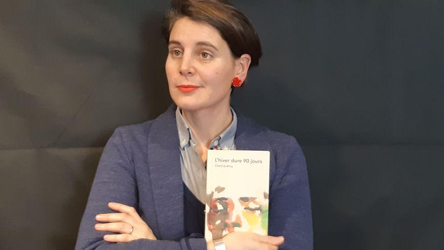 """Un an après l'attentat de Strasbourg (le 11 décembre 2018), Claire Audhuy publie """"L'hiver dure 90 jours"""" où elle raconte son deuil."""