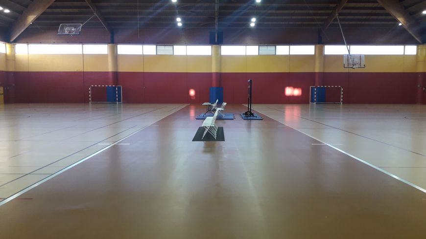 Le Centre Technique Régional de Châteauroux dispose d'un gymnase très grand.