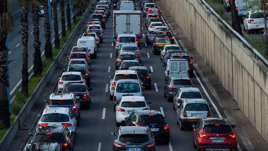 Plus de 100.000 véhicules ne pourront plus circuler en semaine à Barcelone