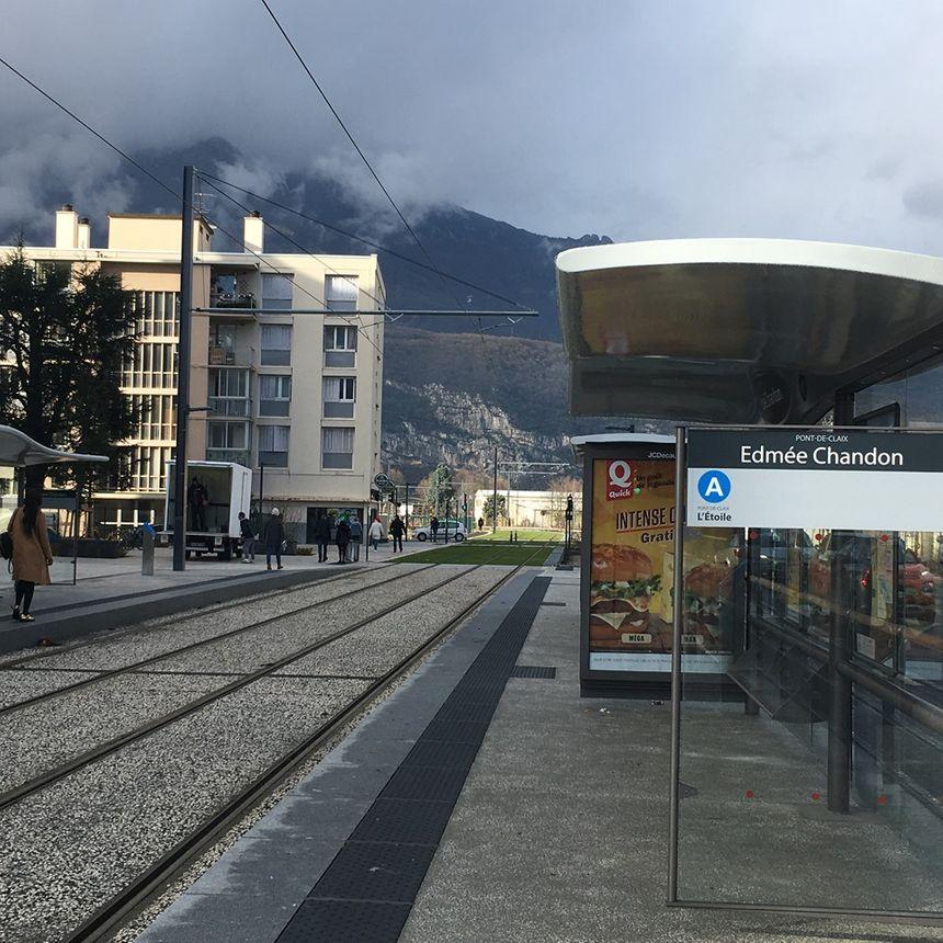 """Le nouvel arrêt de tramway """"Edmée Chandon"""" à Pont-de-Claix."""