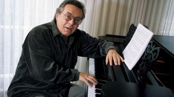 Peter Schreier, grand ténor et chef d'orchestre allemand, est mort le mercredi 25 décembre 2019 à l'âge de 84 ans