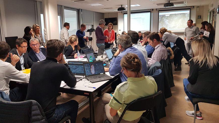 France Bleu Azur est en direct de la cellule de crise ouverte depuis ce dimanche matin à la préfecture des Alpes-Maritimes pour vous informer