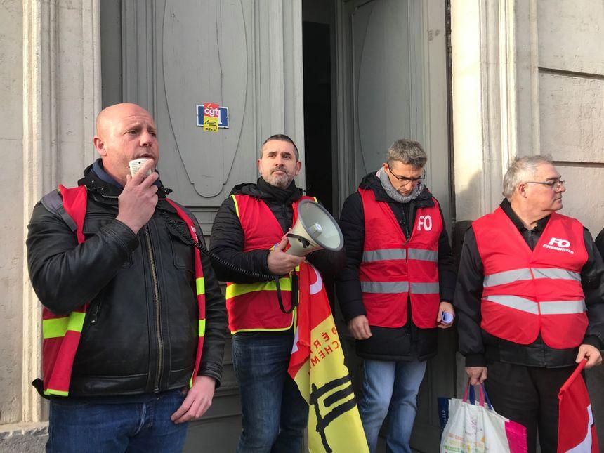 Les syndicats sétois motivent les manifestants : il ne faut rien lâcher tant que le gouvernement ne retire pas le projet de réforme