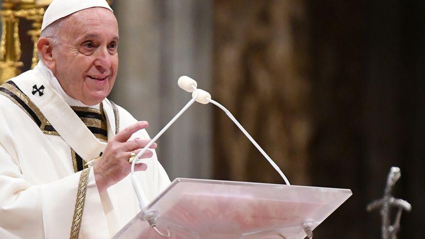 Le pape François a célébré ce mardi 24 décembre la messe de Noël à la basilique Saint-Pierre de Rome
