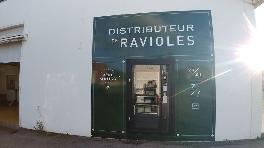 Le distributeur est ouvert depuis le 9 décembre 2019 à Mours-Saint-Eusèbe, dans la Drôme.