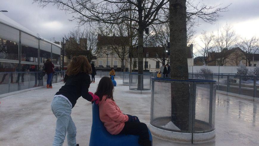 Comptez 1€ pour la patinoire et 4€ pour la grande roue