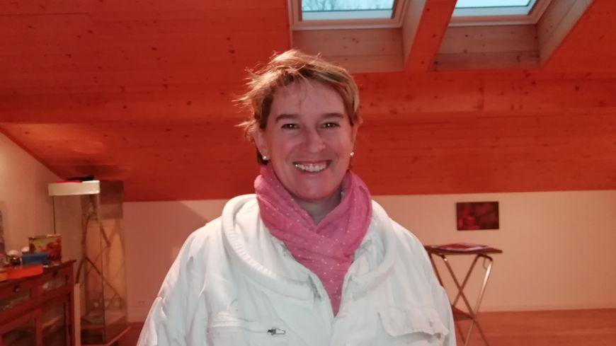 Mikela Untsain, apicultrice à Ascain