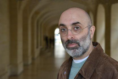 Portrait de l'écrivain Eduardo Halfon