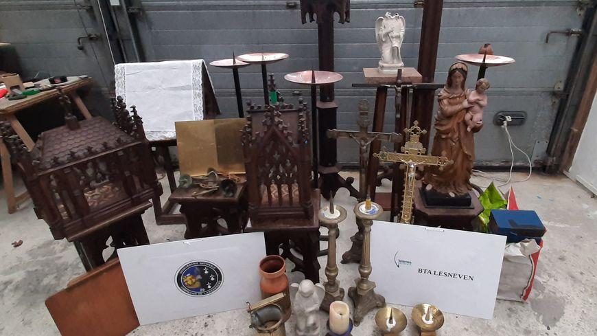 Les objets dérobés dans les églises ont été découverts chez un habitant  de Kernilis.