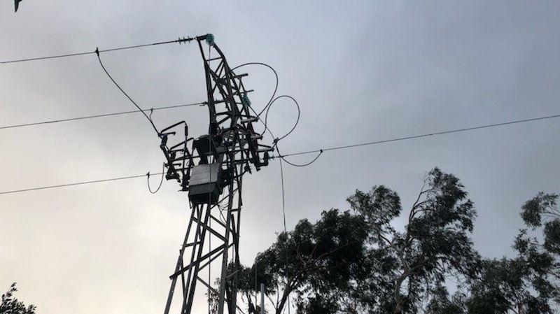 Une ligne moyenne tension endommagée à Alata (2A) après la tempête Fabien.