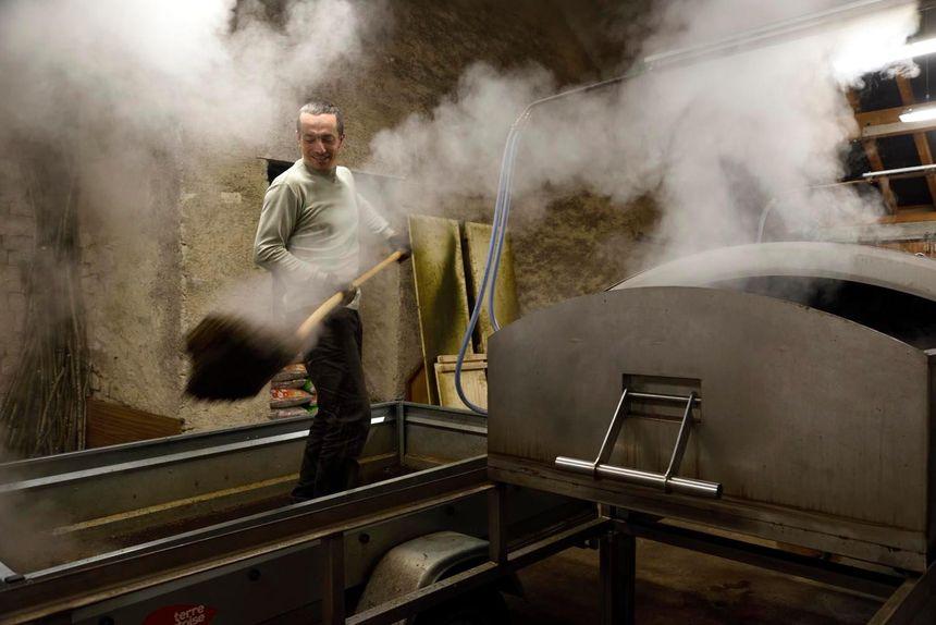 Grégory Haye dans son atelier
