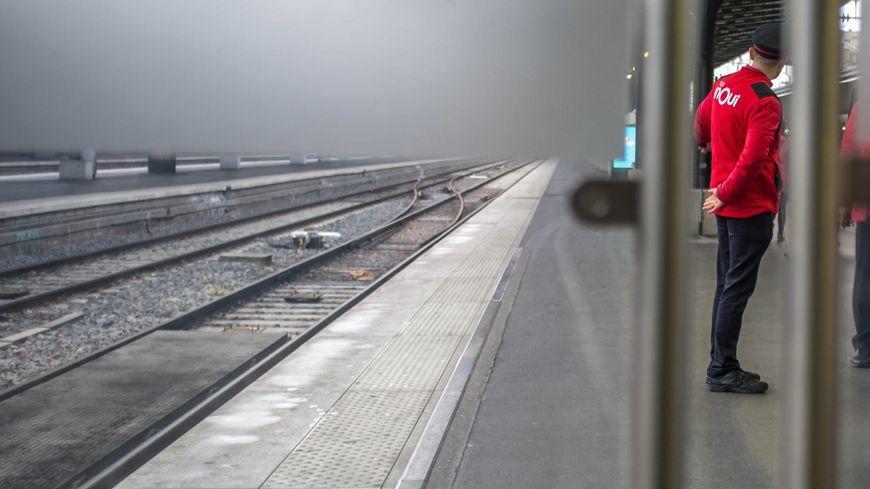 La SNCF annonce un service quasi normal sur Marseille et Lille, mais de fortes perturbations vers l'Ouest.