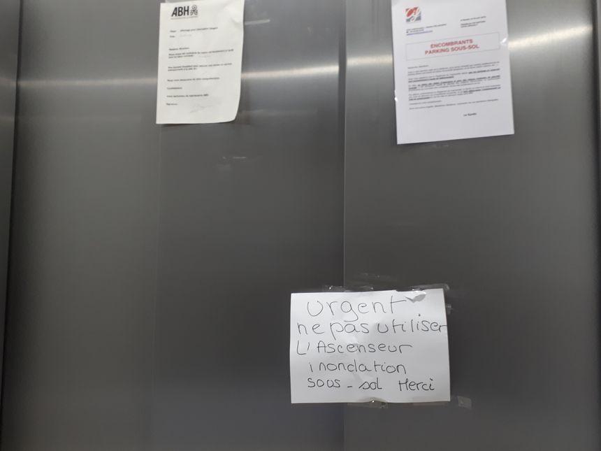 L'ascenseur de la résidence est inutilisable.