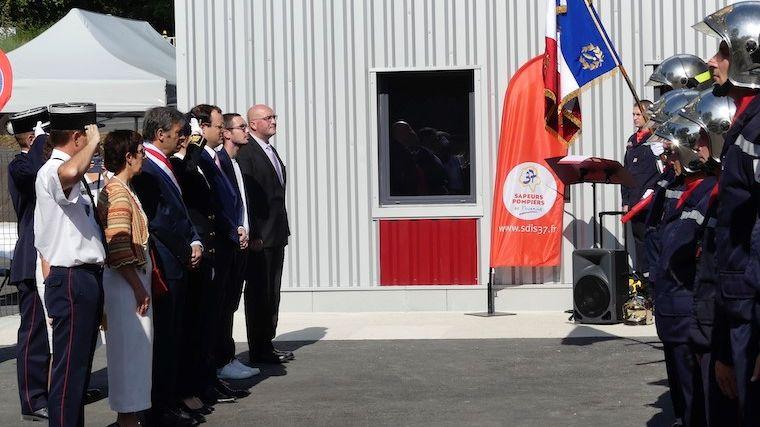 Le maire de Neuillé-le-Lierre, Damien Foratier est décédé ce dimanche 29 décembre. (Ici à gauche).