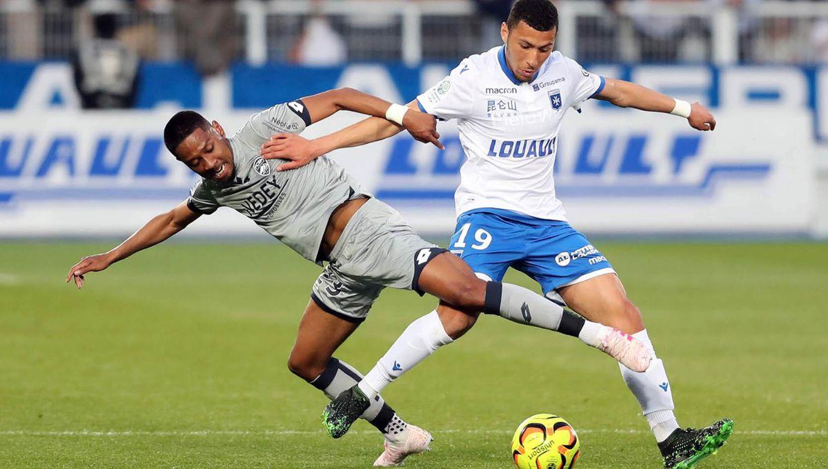 Yanis Begraoui dans le groupe de l'AJA pour le déplacement chez le leader Lorient