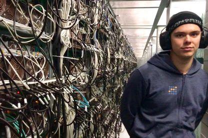 Isak, travaille dans la maintenance d'un data center, il ne fait pas de minage, cela coûte trop d'électricité