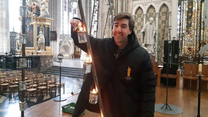 Aymeric de La Vieuxville teste l'allumage des bougies
