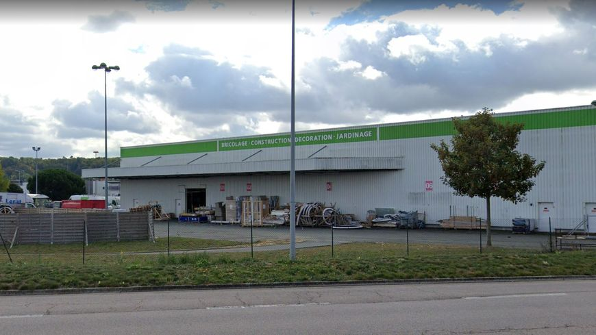 Une partie de la zone commerciale de Tourville la Rivière a été touchée