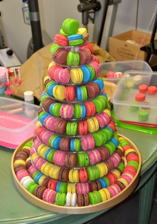 Pour un anniversaire, un mariage ou encore une soirée, vous pouvez commander une montagne de macarons