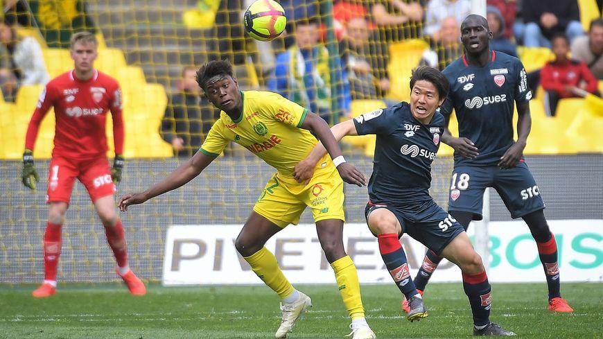 L'ailier gauche du FC Nantes, Anthony Limbombe, était prêté un an au club belge du Standard de Liège.