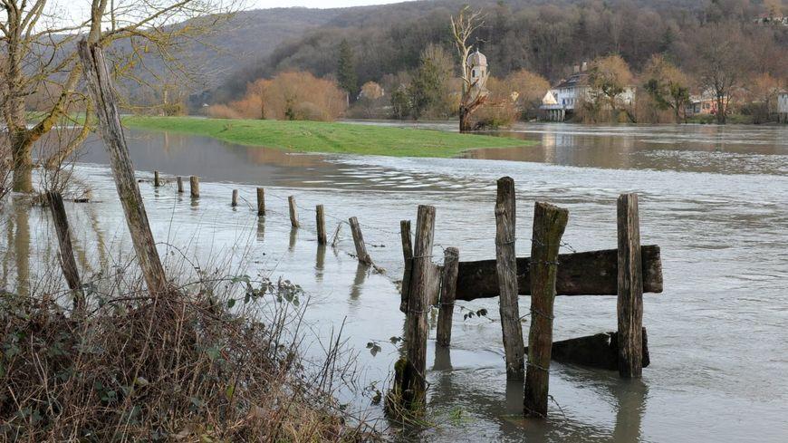 Le Doubs est placé en vigilance jaune pour le risque de crues (inondation ici en 2012).