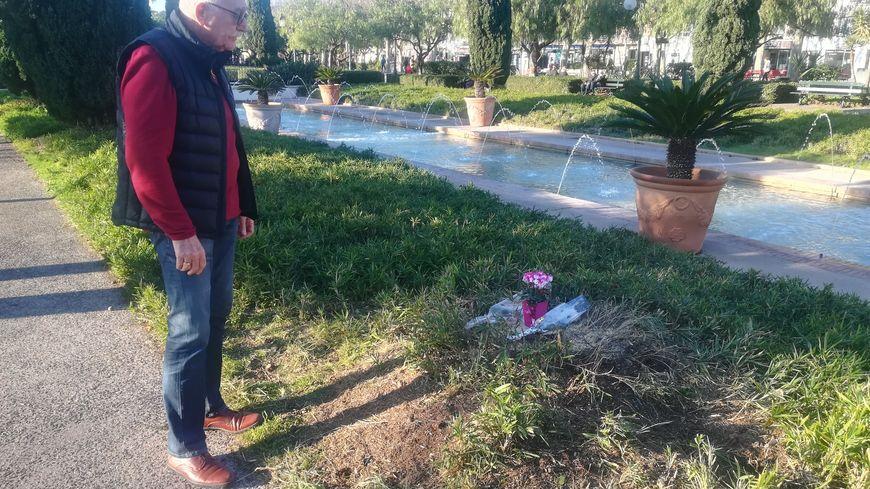 Daniel, ami proche de la victime, s'est recueilli ce lundi après-midi sur le lieu du drame