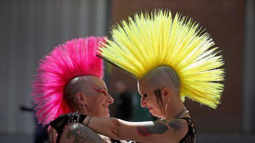 """""""Je suis punk"""" de Caroline de Kergariou (5/5) : Punk d'ailleurs : les improbables"""