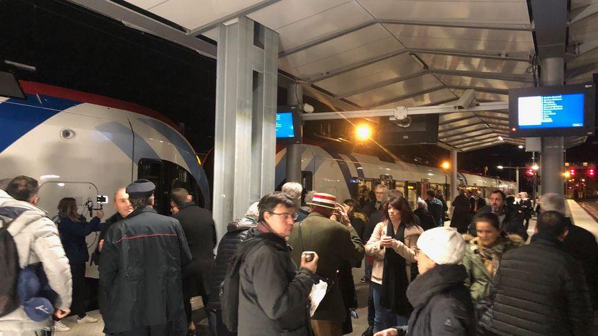 5h05 en gare d'Annemasse, le premier Léman Express est parti