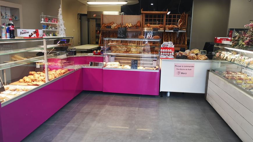 Des boulangers ont mis à disposition du matériel pour que l'établissement Bousquet rouvre au plus vite
