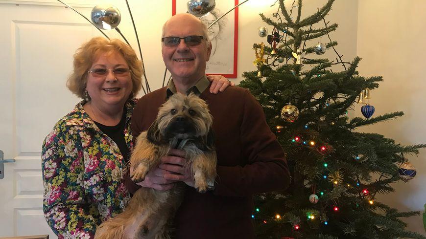 Hélène, Joseph et leur chien Gaston souhaitent rompre l'isolement dans le village du Ham