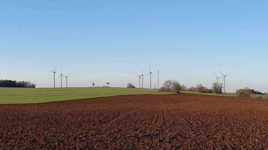 L'entreprise Voltalia à l'initiative du projet a réalisé des simulations pour montrer à quoi ressemblerait le parc éolien de Laignes