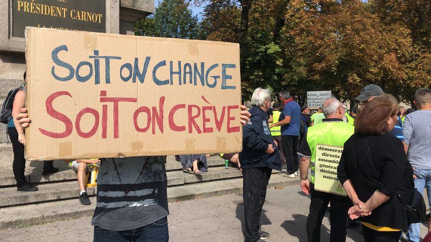 Lors du 44ème acte du mouvement, des gilets jaunes venus de tout le Grand Est se sont rassemblés à Nancy lors de la manifestation régionale.