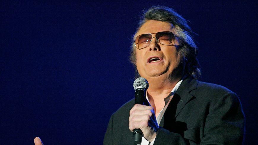 Le chanteur Alain Barrière