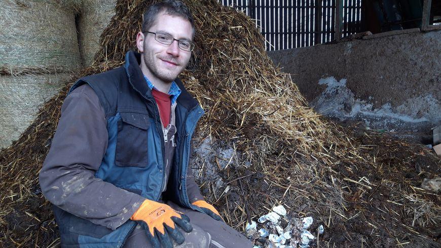 Déjà une dizaine d'amateurs d'huîtres ont déposé leurs coquilles chez l'éleveur bovin.