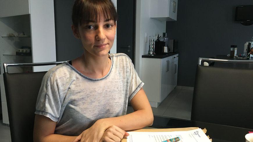 Jessica Frémont, 28 ans, se bat depuis deux ans pour savoir ce qui est arrivé à son père, retrouvé mort sur son lieu de travail à Nantes, en haut d'une grue.