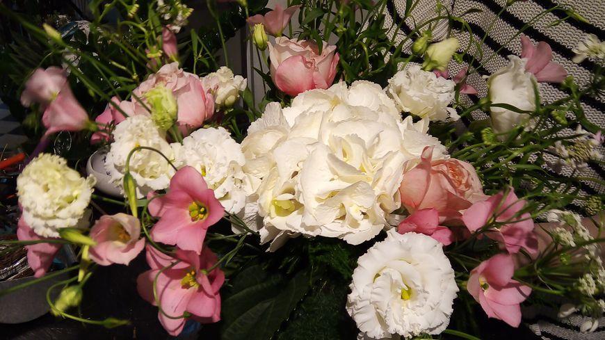 """Comment composer un beau bouquet chez le fleuriste """"à nos Amours"""" à Avignon"""