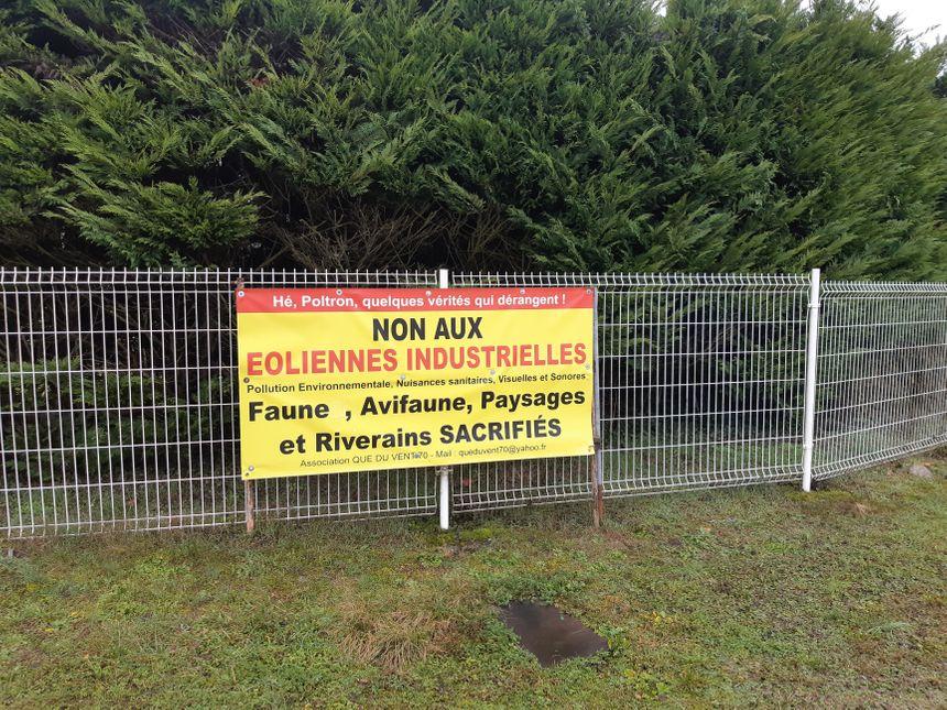 Le ton est donné à l'entré du village de Saulnot