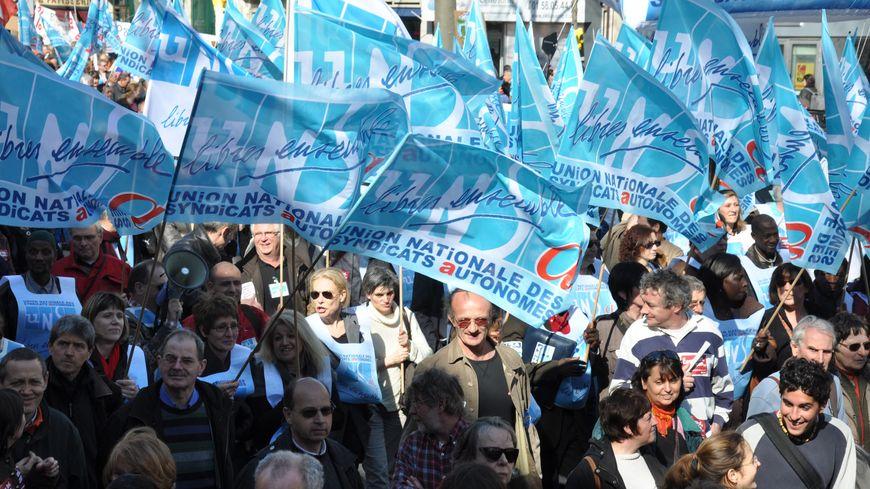 Le front syndical contre la réforme des retraites se fissure. Le syndicat UNSA de Dordogne rejette la trêve de Noël.