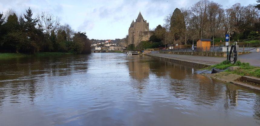 Le cours d'eau mardi matin 24 décembre ne débordait plus