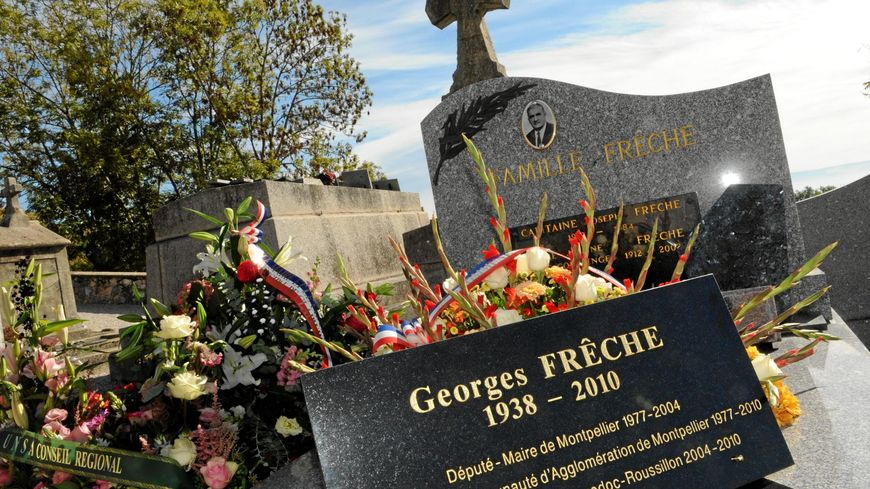 Georges Frêche est enterré là où il est né : à Puylaurens, dans le Tarn