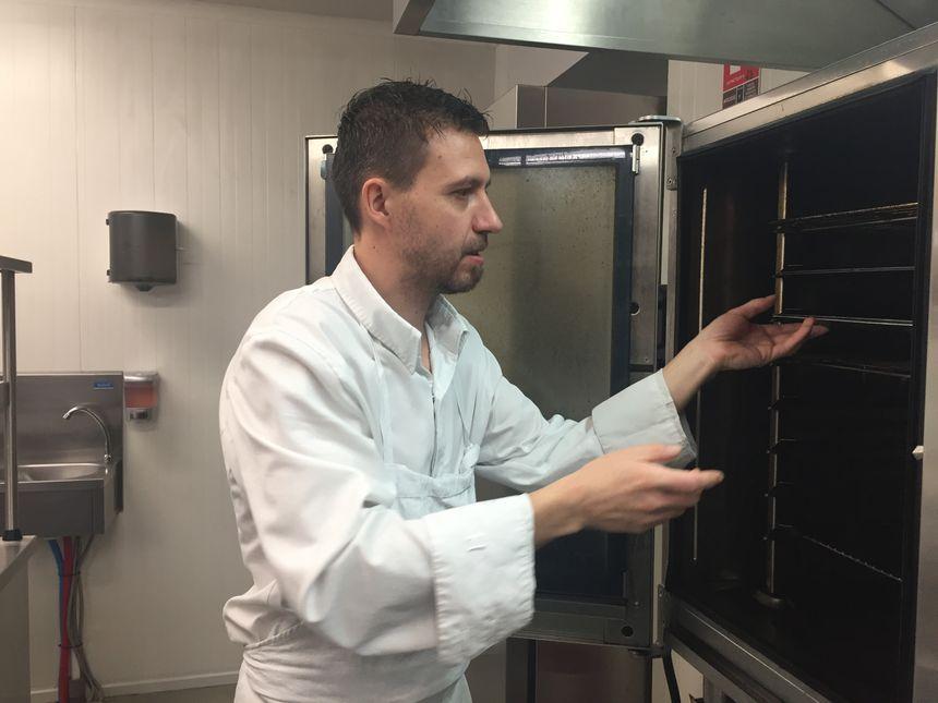 Pierre Thévenet, le second de cuisine au restaurant La Vue à Toulouse.